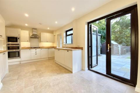 3 bedroom end of terrace house for sale - Upper Churnside, Cirencester