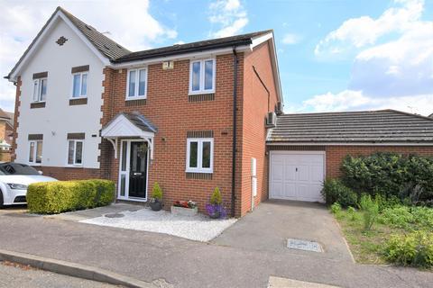 3 bedroom semi-detached house for sale - Halston Place, Maldon, CM9