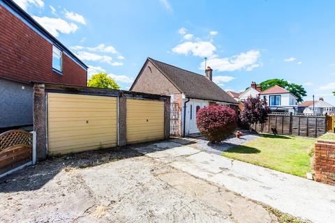 2 bedroom detached bungalow for sale - Abbey Hill Road, Sidcup, DA15