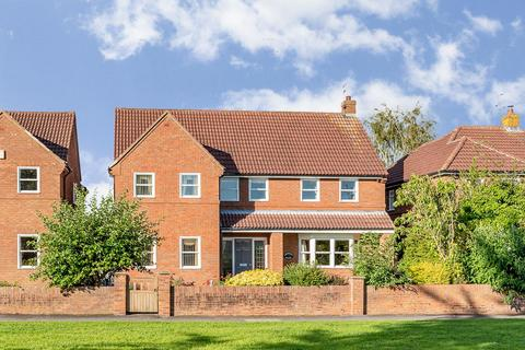 5 bedroom detached house for sale - Common Road, Dunnington, York, YO19