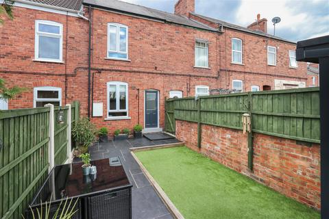 3 bedroom terraced house for sale - Prospect Terrace, Chesterfield, S40 4HD