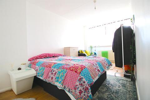 2 bedroom flat to rent - Bow Common Lane, London E3
