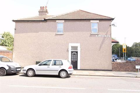 2 bedroom flat for sale - Meads Lane, Goodmayes, Essex, IG3