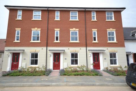 3 bedroom terraced house to rent - Guelder Rose, Dunmow, Essex, CM6