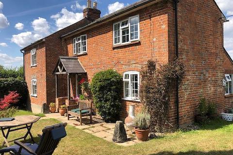 3 bedroom cottage to rent - Beenham, Near Reading