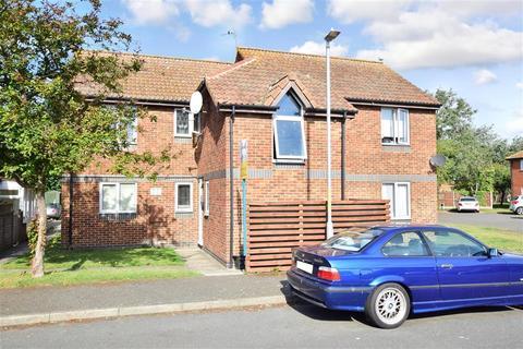 1 bedroom ground floor flat - Walcheren Close, Deal, Kent