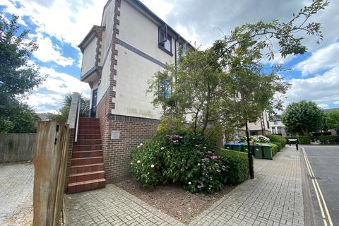 3 bedroom maisonette for sale - 1 Mayfair gardens, Banister Park, Southampton SO15
