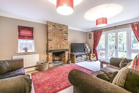 4 bedroom link detached house for sale - Staines Upon Thames,  Surrey,  TW18