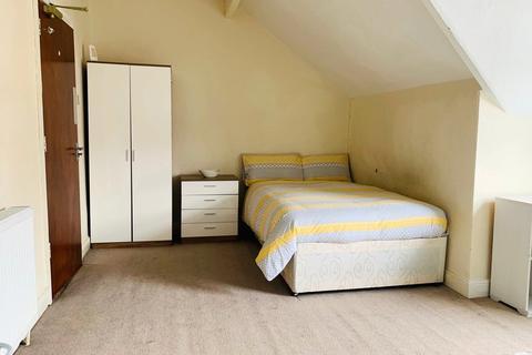 Property to rent - Room 7, 116 Gillott Road, B16