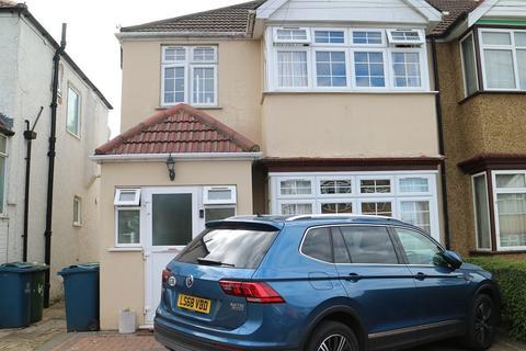 3 bedroom semi-detached house to rent - Harrow,HA3 5HD