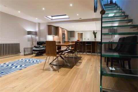 3 bedroom terraced house to rent - Norfolk Square Mews, Paddington, London, W2