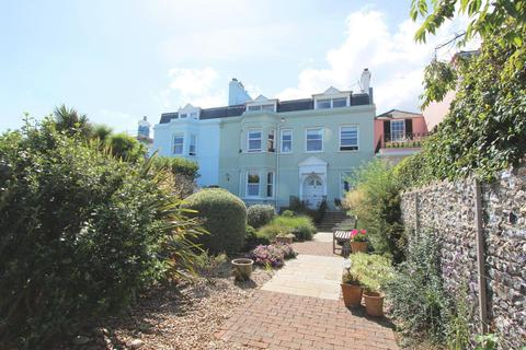 2 bedroom apartment for sale - The Beach, Walmer, CT14
