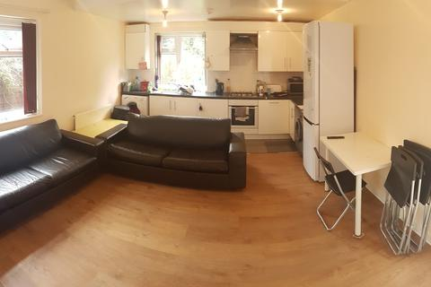 5 bedroom property to rent - St Chads Road , Withington, Manchester