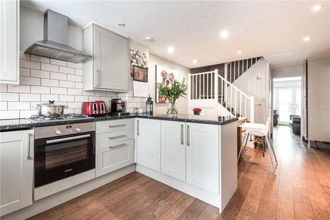 3 bedroom terraced house for sale - Goodman Crescent, London, SW2