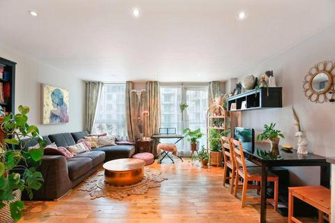 2 bedroom apartment for sale - Anchor House, St George Wharf, SW8