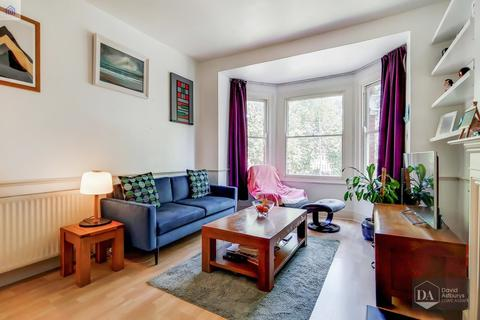 2 bedroom apartment for sale - Priory Road, Crouch End N8