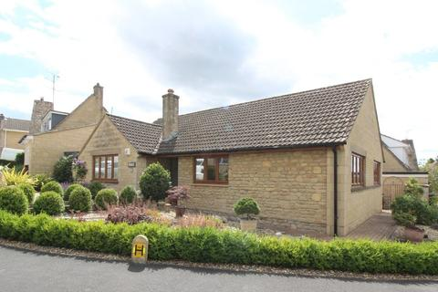3 bedroom detached bungalow for sale - Pentylands Close, Highworth