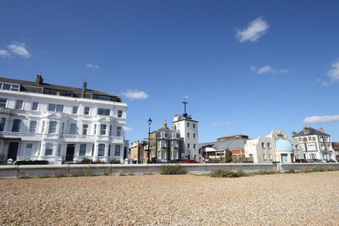 3 bedroom apartment for sale - Deal Seafront