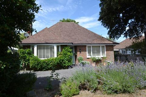 2 bedroom detached bungalow for sale - Goring Way, Goring, West Sussex, BN12 5BZ