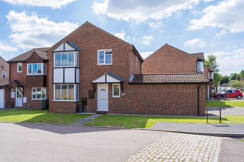 3 bedroom detached house for sale - Isis Avenue, Bicester