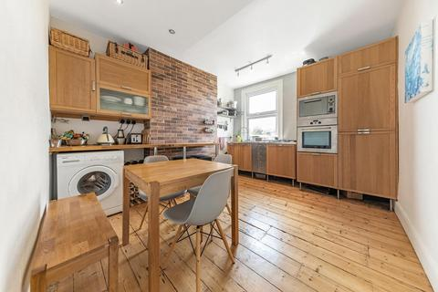 2 bedroom flat for sale - Morrish Road, SW2