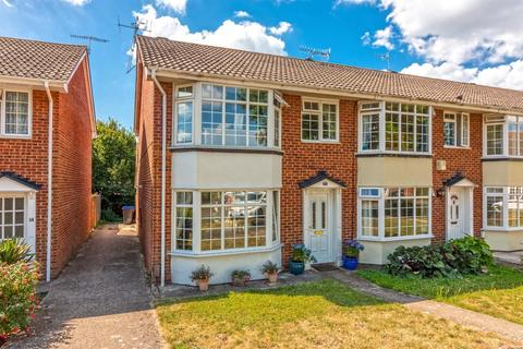 3 bedroom semi-detached house for sale - Brierley Gardens, Lancing