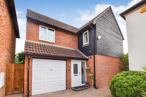 4 bedroom detached house for sale - Elliot Close, South Woodham Ferrers, Chelmsford