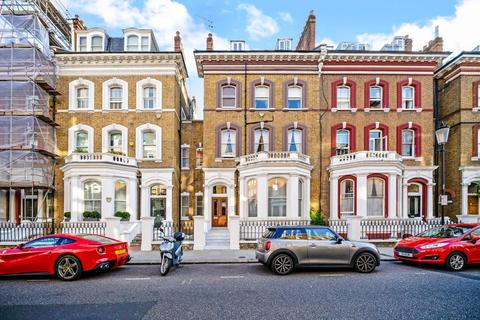 2 bedroom flat for sale - Roland Gardens, London, SW7
