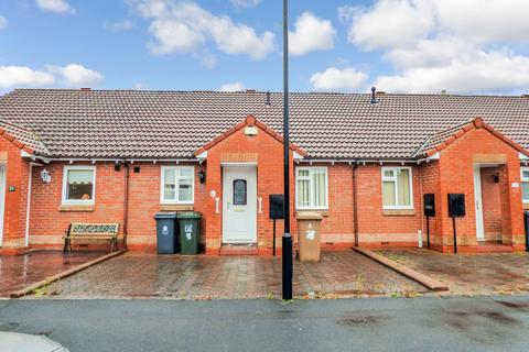 2 bedroom bungalow for sale - Appleby Park, north shields, North Shields, Tyne and Wear, NE29 0PL