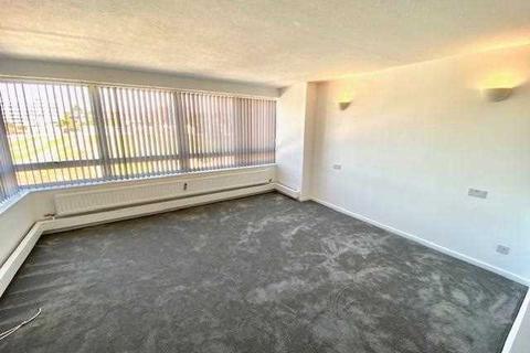 3 bedroom apartment to rent - Ashdown, Eaton Road, Hove
