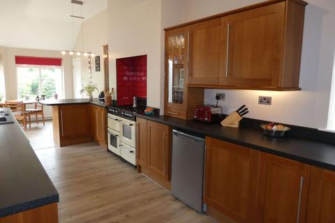 4 bedroom detached house for sale - Bitterne Road West, Southampton, SO18