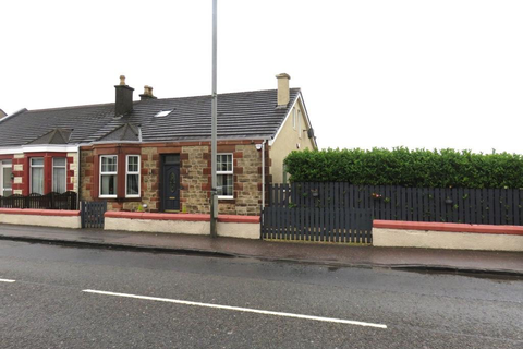 4 bedroom semi-detached house for sale - Carlisle Road , Airdrie ML6