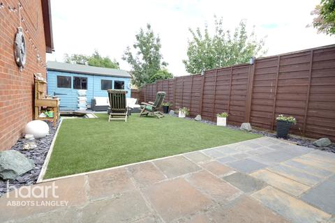 2 bedroom end of terrace house for sale - Harlech Road, Abbots Langley