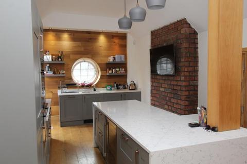 2 bedroom flat for sale - ST PETERS HOUSE, 43 THE CALLS, LEEDS, LS2 7EY