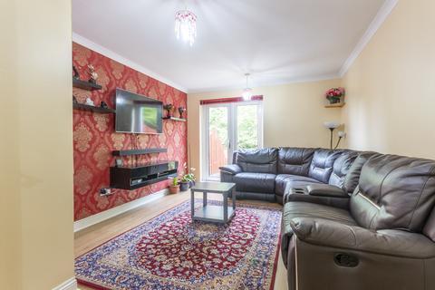 4 bedroom flat to rent -  Craigmount Brae Edinburgh EH12 8XD United Kingdom