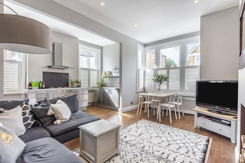 2 bedroom flat for sale - Lynette Avenue, Clapham