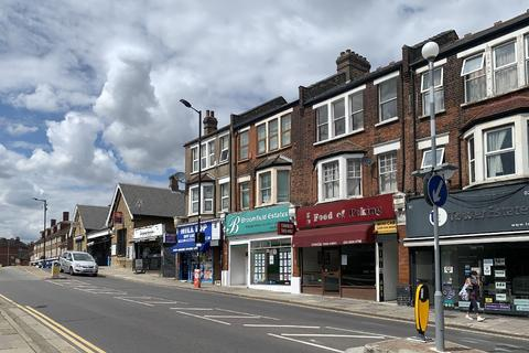 Office to rent - Aldermans Hill, Palmers Green, N13