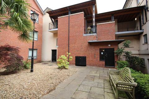 2 bedroom apartment for sale - Upper Park Road, Manchester