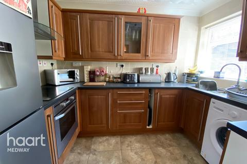 2 bedroom flat for sale - Ranscombe Close, Rochester