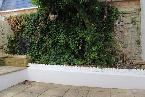 3 bedroom terraced house to rent - Queens Gardens, Brighton  BN1