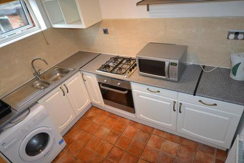 2 bedroom flat to rent - Hilton Road, Mapperley, Nottingham NG3 6AN