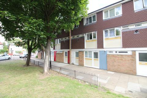 4 bedroom maisonette to rent - Acacia Road, Wood Green, London, N22