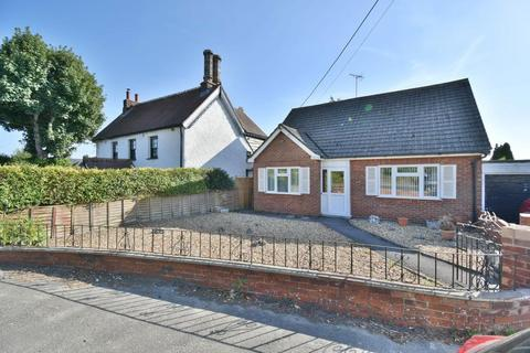 2 bedroom detached bungalow for sale - Blandford Road, Poole, BH16 5EF