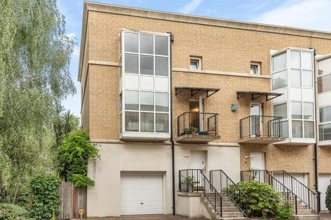 3 bedroom terraced house for sale - Royal Court, Rotherhithe