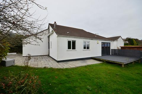 3 bedroom detached bungalow - Valley View Drive, Truro
