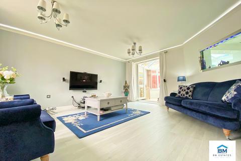 3 bedroom semi-detached house for sale - Brompton Road, Hamilton, LE5