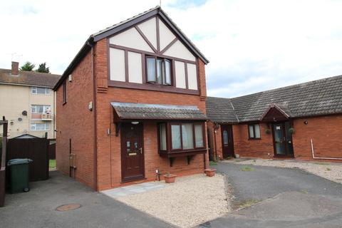 3 bedroom detached house to rent - Celandine Road, Wood End