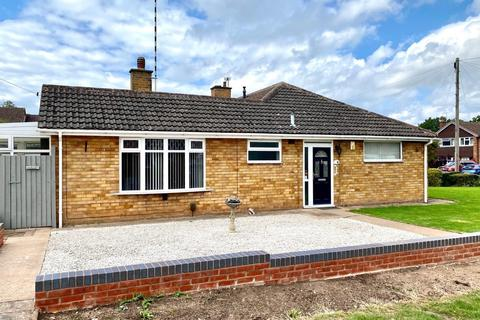2 bedroom semi-detached bungalow for sale - Winchester Avenue, Weddington, Nuneaton