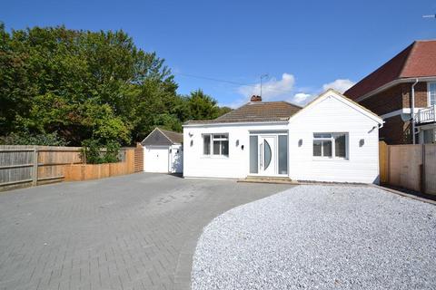 3 bedroom detached bungalow for sale - Beehive Lane, Ferring, West Sussex, BN12 5NR