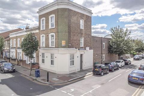 2 bedroom flat for sale - Park Lane N17